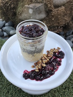 OATS TO GO: THE COBBLER (1/2 PINT JAR) Gluten Free Oats, Chia Seeds, Organic Almond Milk, Gluten Free Greek Yogurt or Vegan Coconut Yogurt, Pecans, Triple Berry Preserves